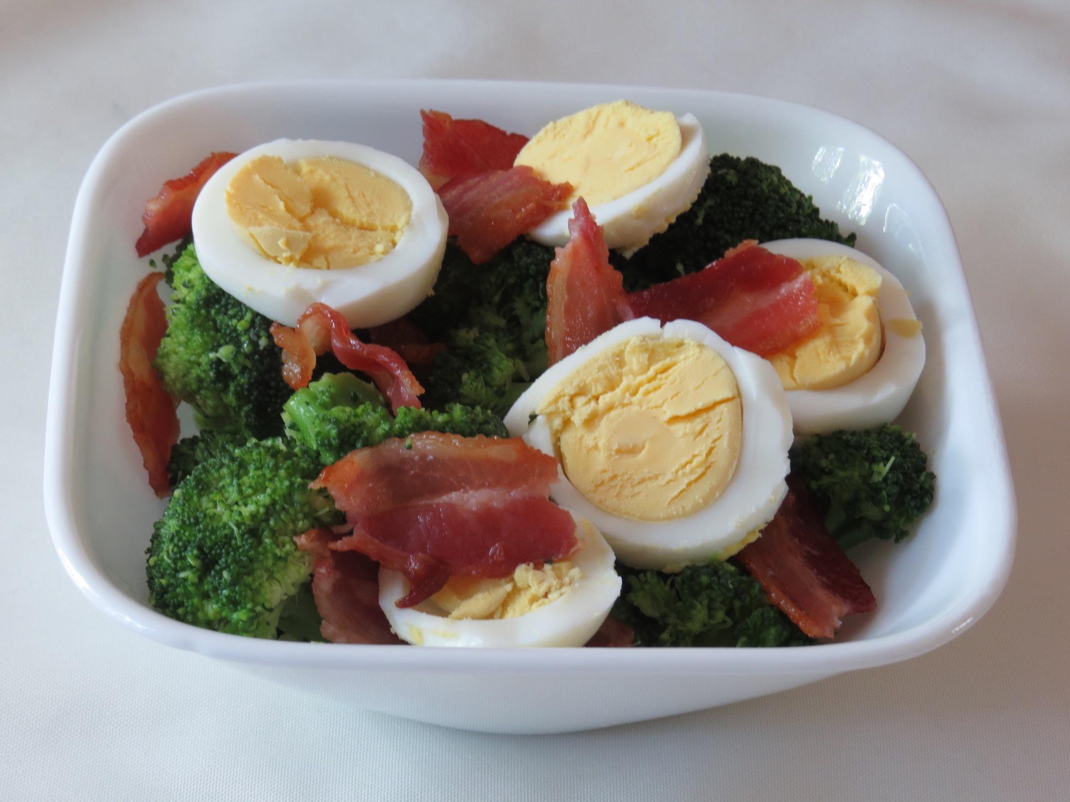 easy-bacon-egg-broccoli-bowl-2