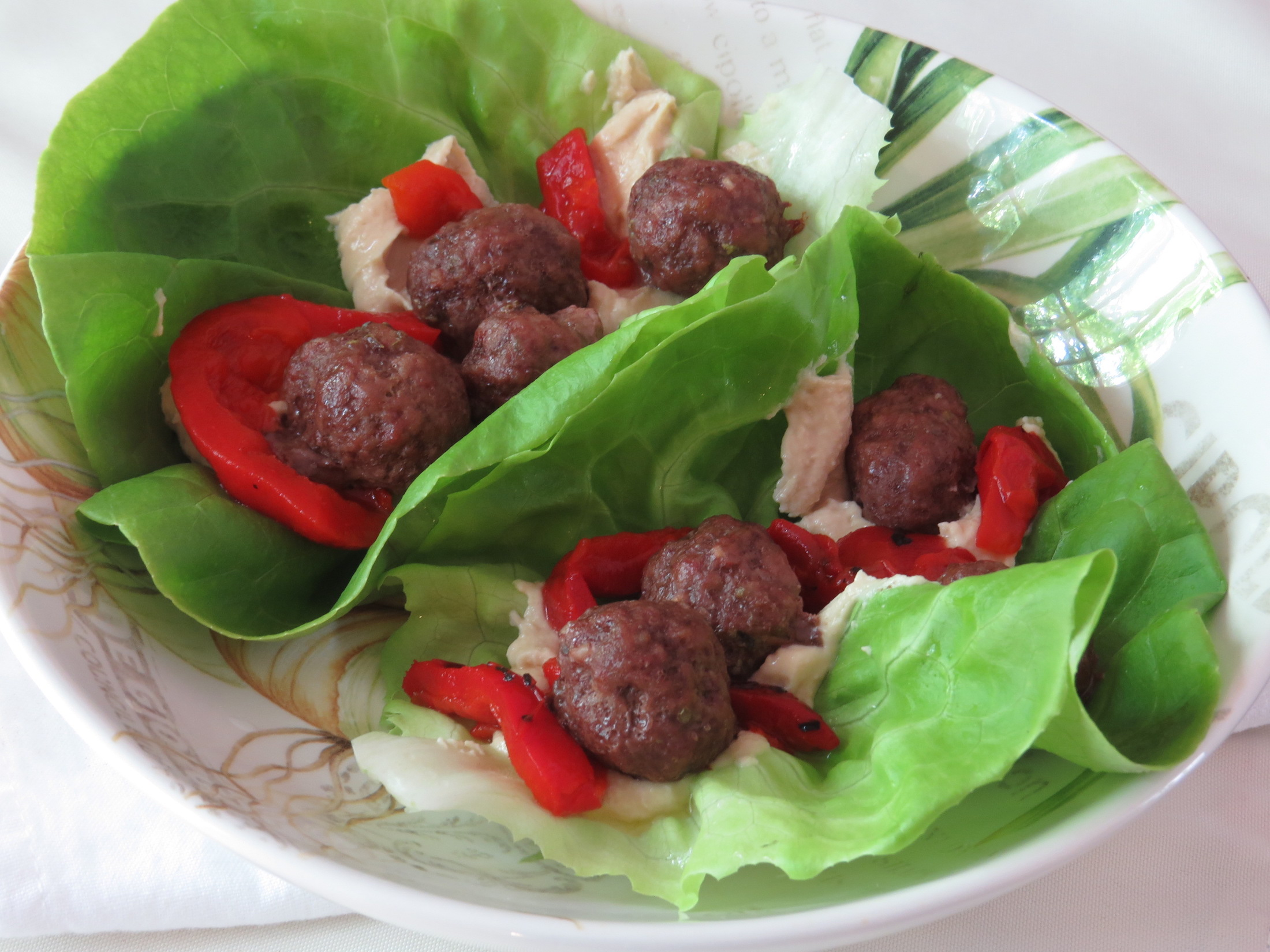 greek-meatball-wraps-with-hummus-roasted-red-pepper-2