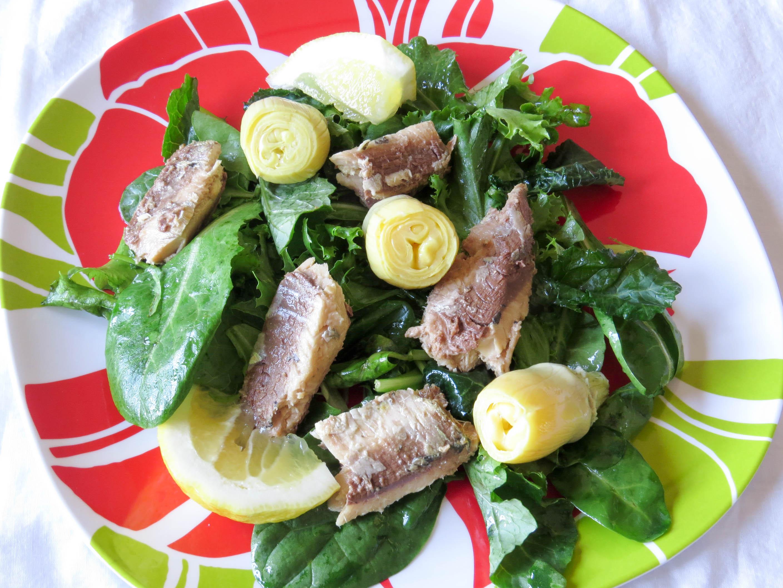 massaged-kale-salad-with-sardines-artichoke-hearts-2