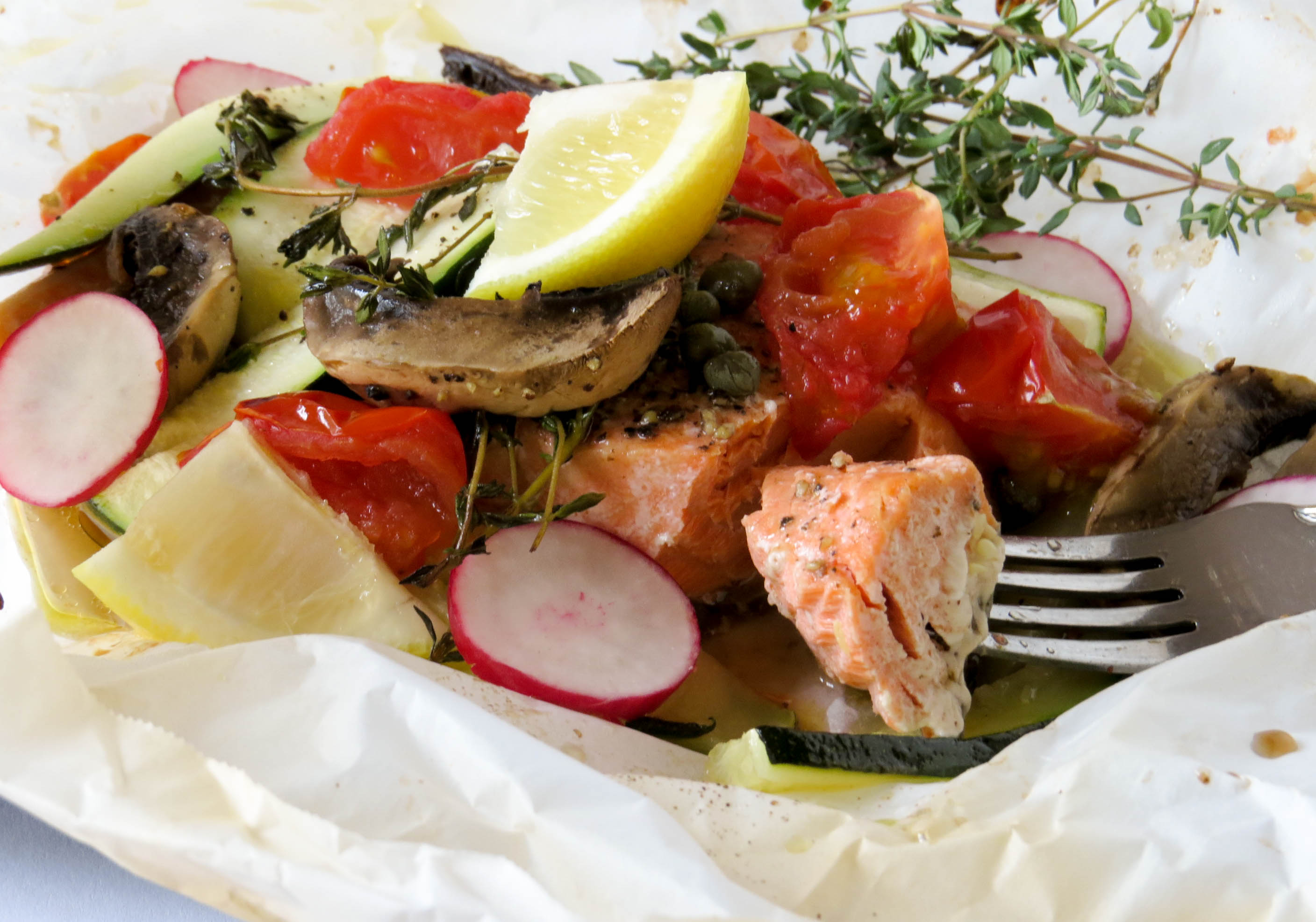 salmon-vegetables-in-parchment-2