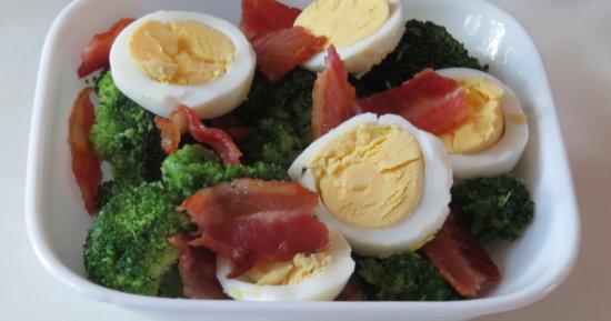 Easy Bacon & Egg Broccoli Bowl